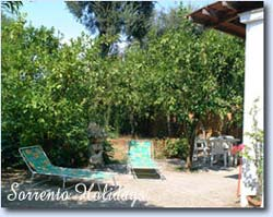 Apartamenti-ville in affitto<br> 3 stelle in Sorrento - Apartamenti-ville in affitto<br> Sorrento Holidays (B201)