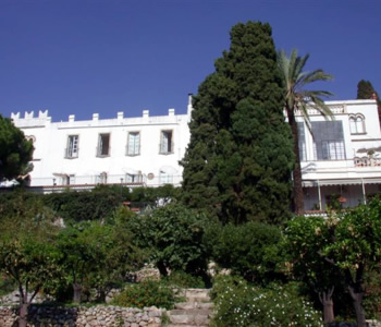 Alberghi taormina porta messina hotel pensioni ostelli for Albergo bel soggiorno